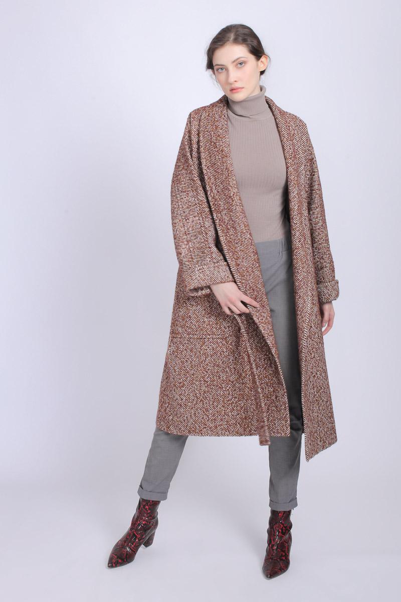 a8f496cfcdb Стильные женские пальто - купить пальто женское в СПб в интернет ...